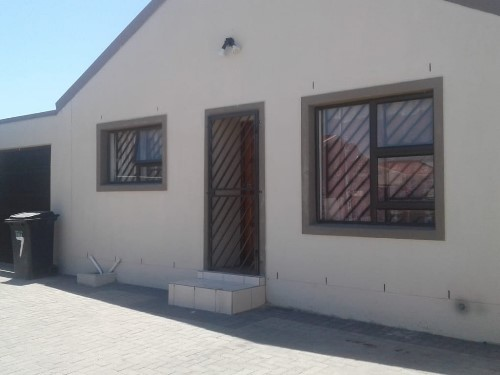 3 Bedroom House for Sale in Dennemere, Cape Town