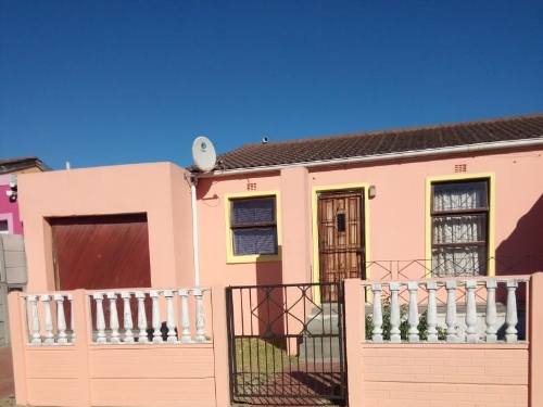 2 Bedroom House for Sale in Belhar, Cape Town