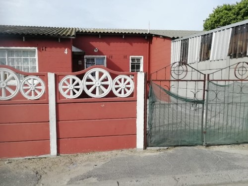 3 Bedroom House for Sale in Cannaught Estate, Elsies Rivier