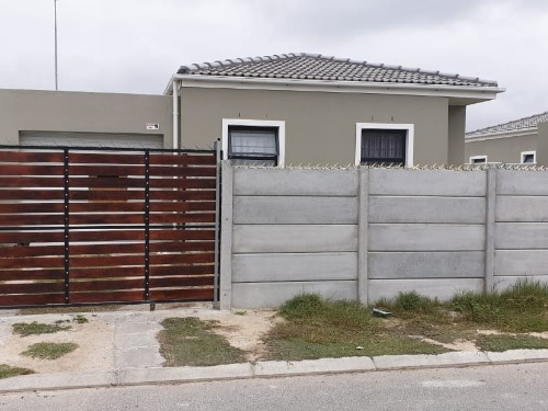3 Bedroom House for Sale in Macassar, Cape Town